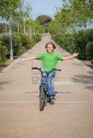 Photo Enfant Confiant (vélo)
